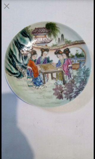 粉彩瓷器盤 大清乾隆年製款印