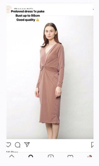 Dilima Dress In Taupe