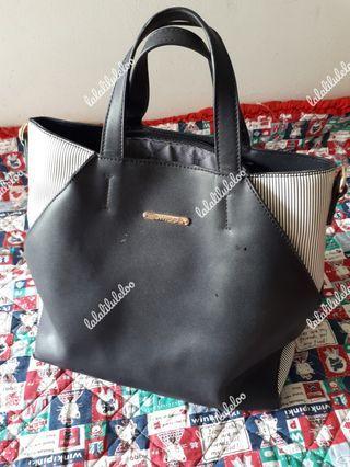 CALLIOPE black handbag