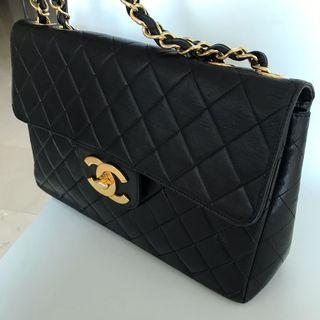 Chanel Vintage Jumbo Black Gold 24k