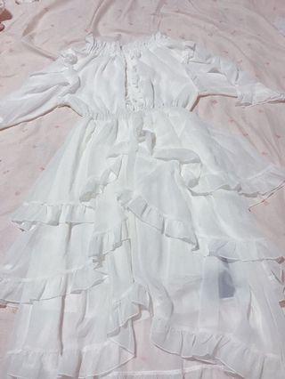 🚚 白色一字肩洋裝