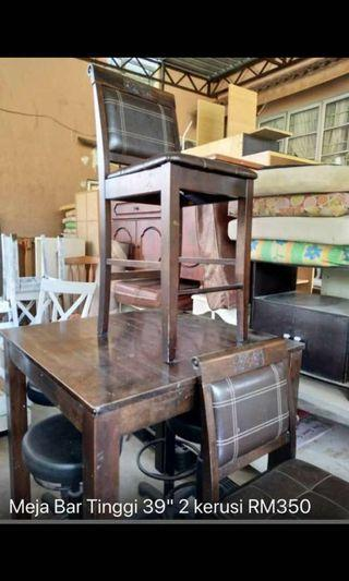 """High table (38 """") and 2 high chairs"""