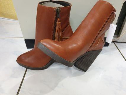 S0PHlE&SAM真皮短馬靴