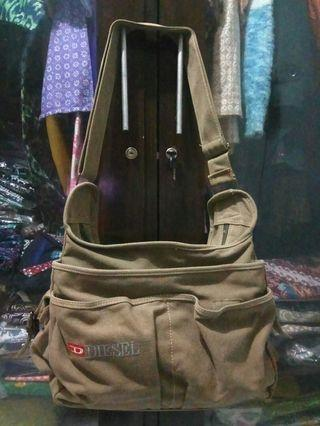 #joinjuli Sling bag Diesel