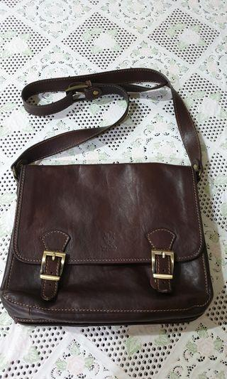 Genuine leather sling bag from Italy