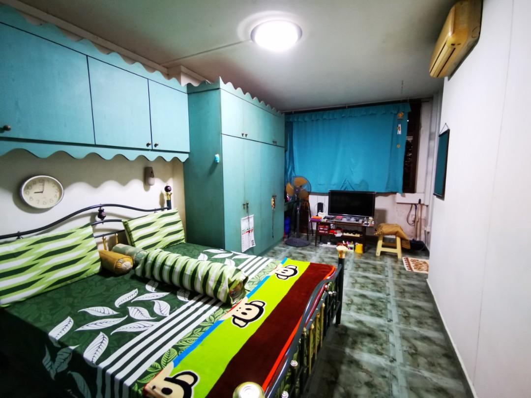 👍🏿 Hougang st 91! Good Deal! Squarish layout 2nd Floor Malay Owner