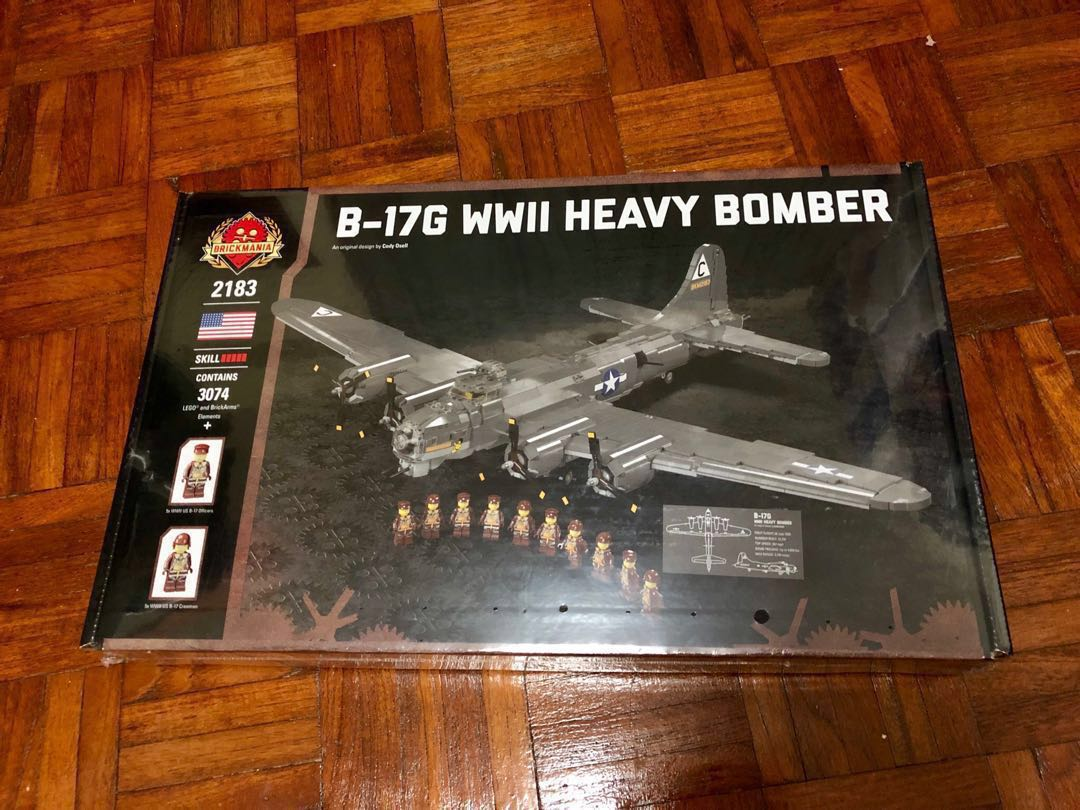 Brickmania 2183 - B-17G WWII Heavy Bomber