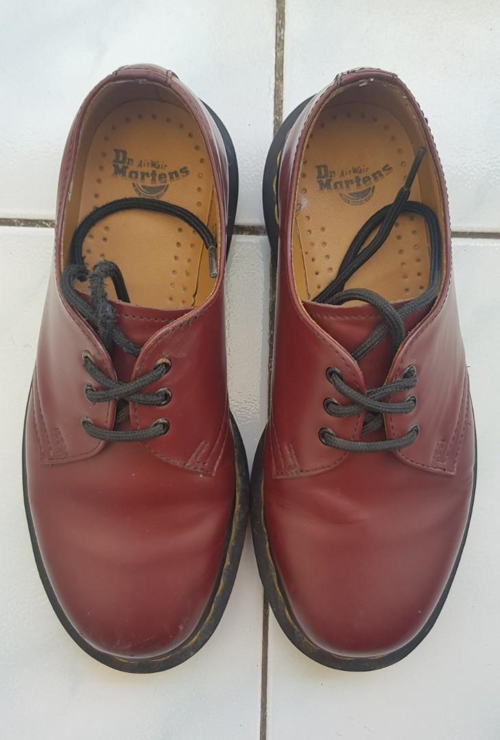 Dr.Martens three holes red cherry (thailand)
