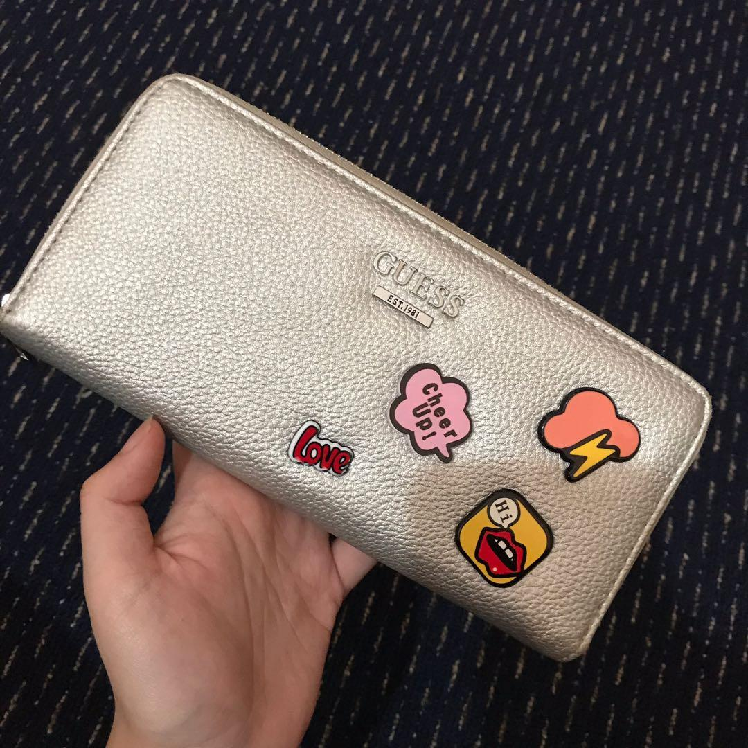 Guess dompet