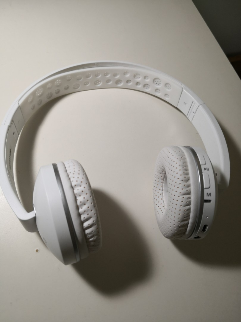 fd733f25a90 Miniso bluetooth wireless headphone, Electronics, Audio on Carousell
