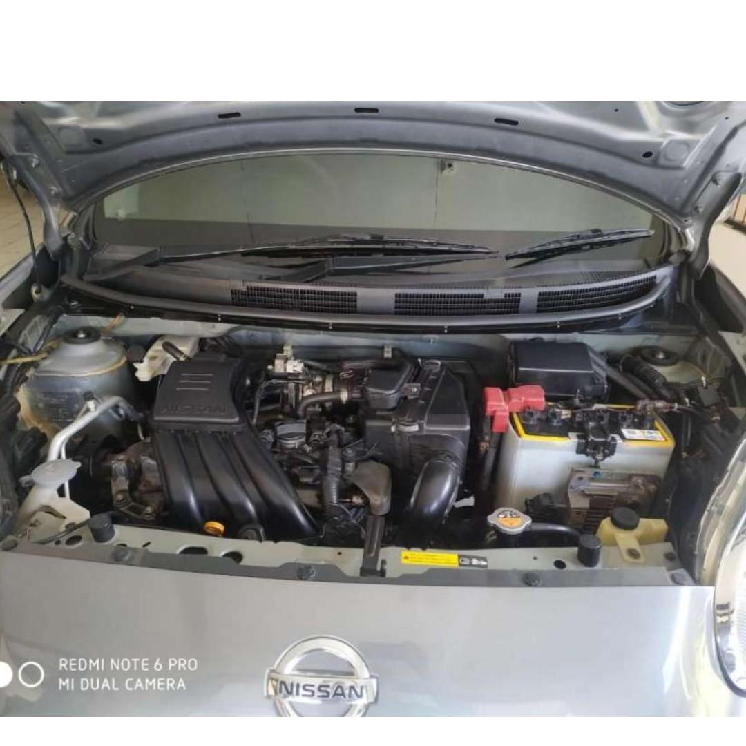 Nissan MARCH AT tahun 2013 abu tua mulus siap pakai