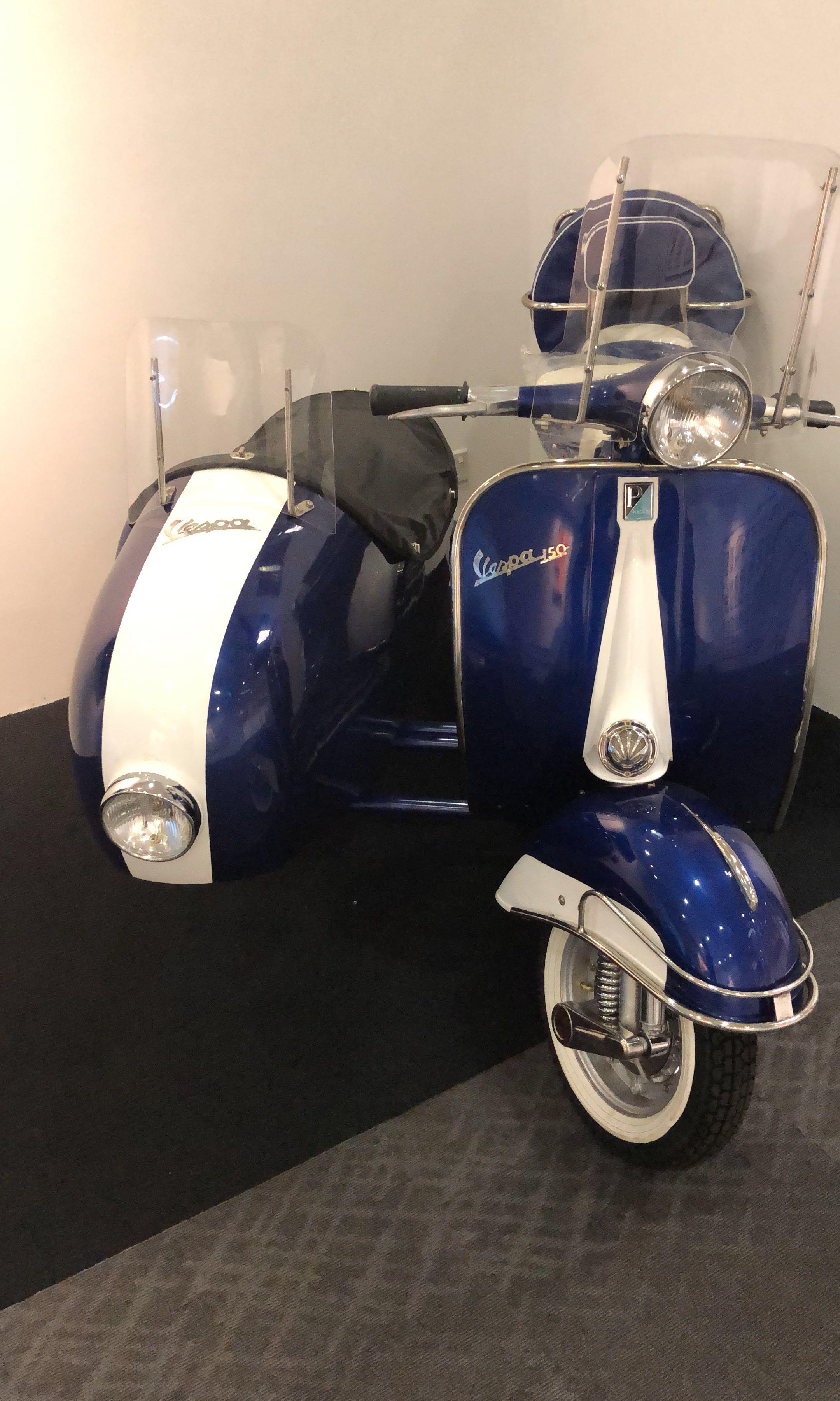 Vintage Vespa (for display only) brand new unit