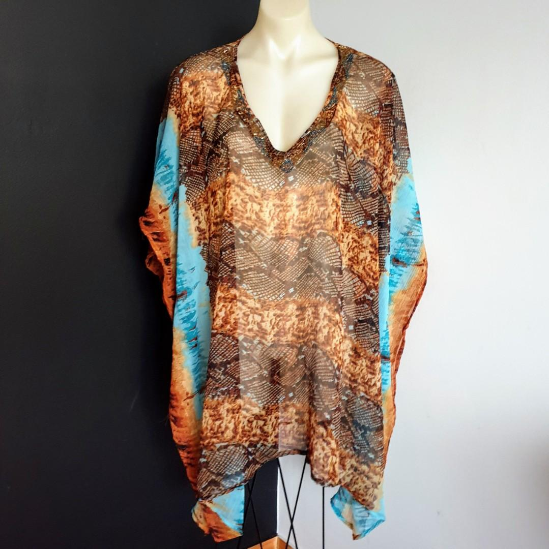 Women's one size Stunning multicoloured kaftan with embellished neckline - AS NEW