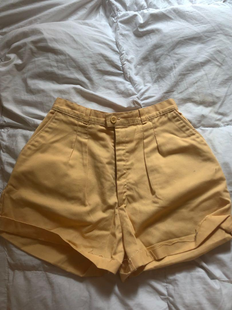 YELLOW HIGH WASTED SHORTS - LEE