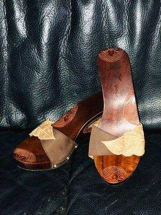 🚚 Slip on heels