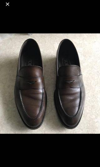 🚚 Tods loafers shoes
