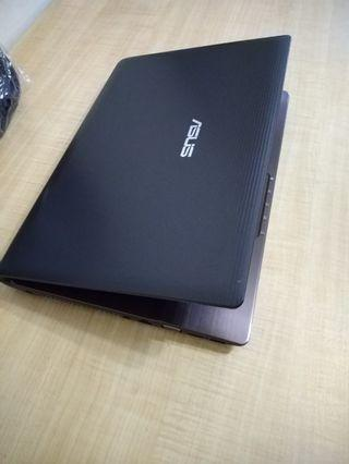 Asus 8GB 2rd gen Core i7 laptop with 14 inches