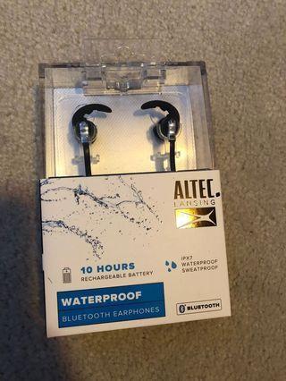 Bluetooth and waterproof headphones #swapca