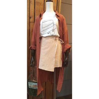 [現貨] 紋路棉紗口袋長版襯衫-磚橘