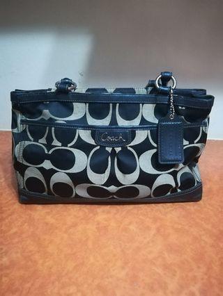 🚚 Coach Handbag