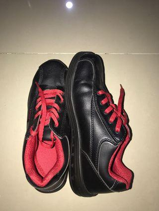 krisbow safety shoes black kitchen