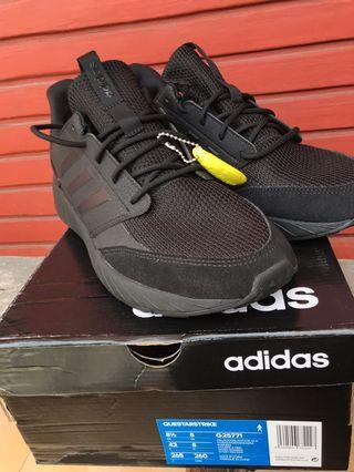 Sepatu Adidas Questarstrike size 42 Black Orginal