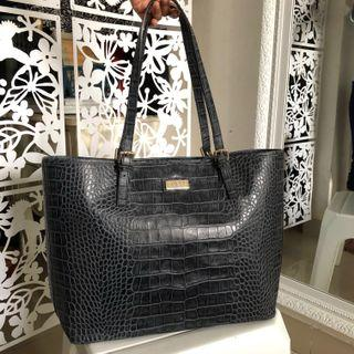 Guess Luxe Tote Bag in Navy