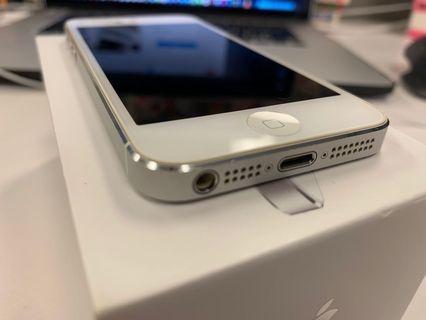 iPhone 5 white 16GB 超新淨