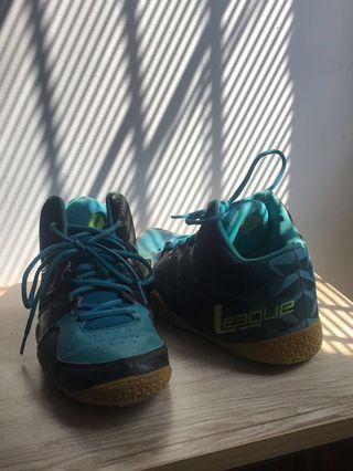 Sepatu Basket League Levitate Blue