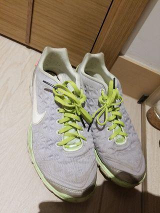 Nike women sport shoes size 39 -40
