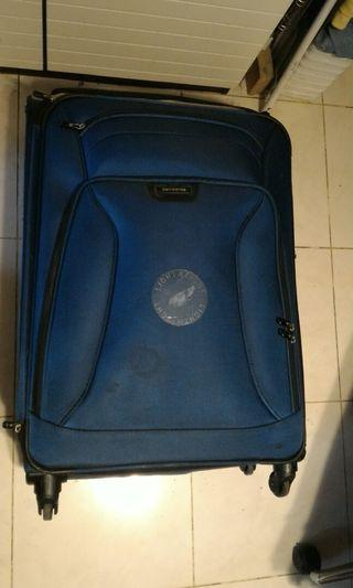 Samsonite 四輪32寸 行李箱Old big suitcase$200