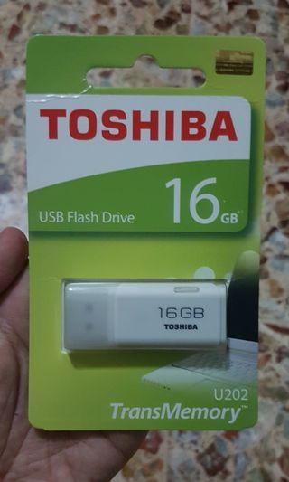 Flash disk toshiba 16 GB U202 #mauthr