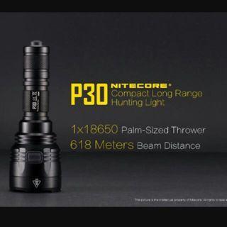 (618 Meters Beam Distance) Nitecore P30 Compact Long Throw Flashlight_1,000 Lumens