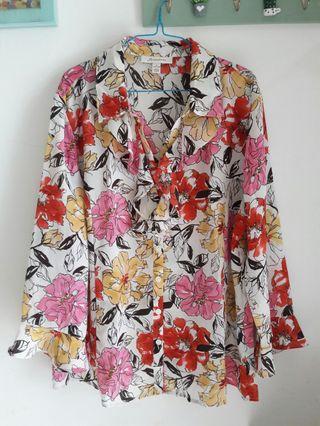 Flower blouse XL