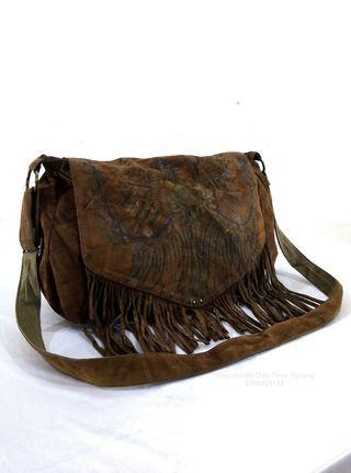 LEATHER WESTERN STYLE SLING BAG