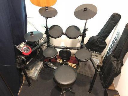 Electric Drum Set (Amplifier, Carpet & drumsticks included)