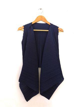 Giordano Navy Pleated Vest #Ramadan75