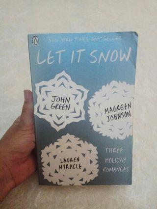 Novel John Green : Let it Snow