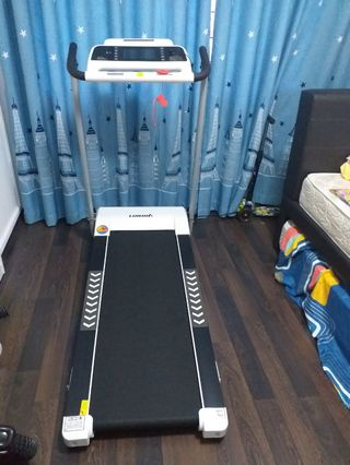 Almost new Foldable Treadmill 跑步机