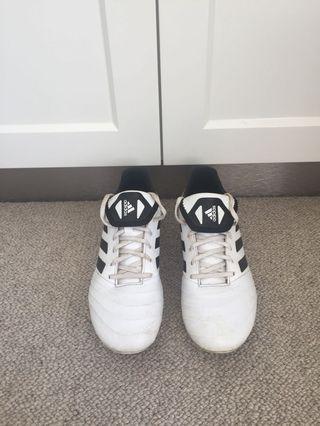 Adidas Studs/Football Boots 7 1/2