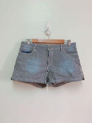 Lativ條紋純棉側開衩瘦大腿牛仔短褲