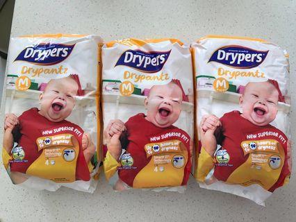 🚚 Drypers Drypantz M