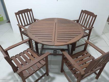 Set meja kayu