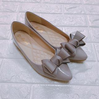 藕粉色蝴蝶結🎀淑女娃娃鞋(近全新)