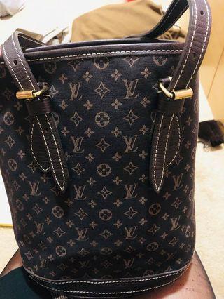Genuine Louis Vuitton bucket bag