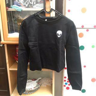 Atasan kaos sweater hangat crop tee