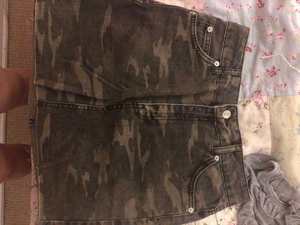 Topshop camo skirt worn once size 4