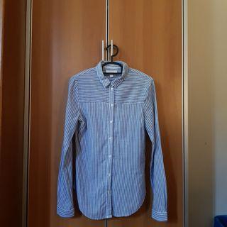 Striped buttons down shirt