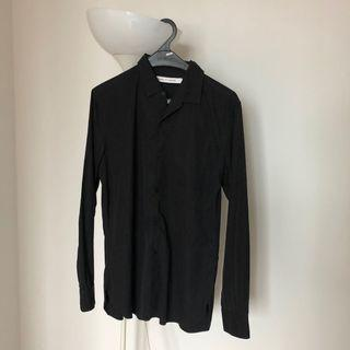 Uniqlo x Lemaire black shirt