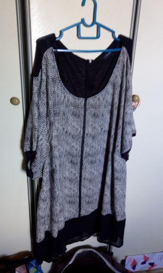 Super plus sized printed black dress